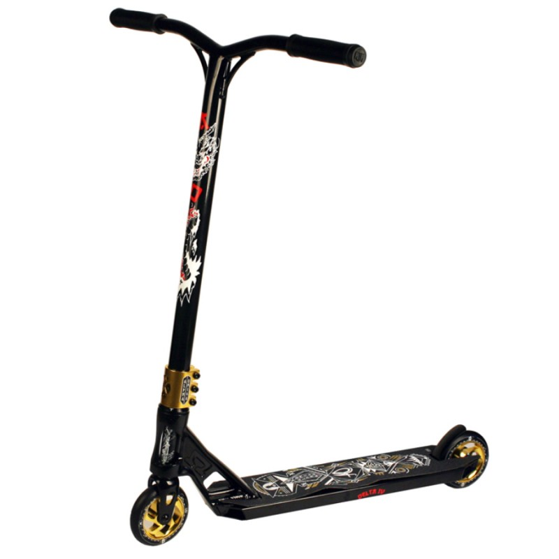 AO Delta 4 Scooter - Black/Gold